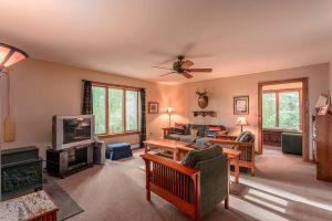 otter-creek-lodge-longhouse-living-room