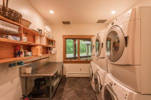 otter-creek-lodge-laundry-room