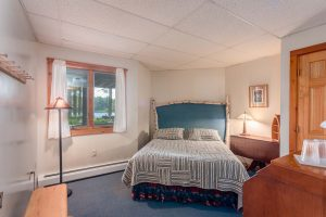 otter-creek-lodge-bedroom