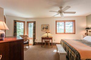 otter-creek-lodge-keneu-bedroom