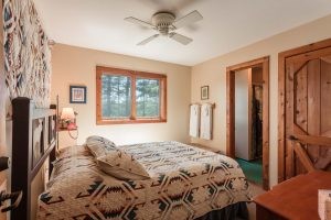 otter-creek-lodge-pequot-bedroom